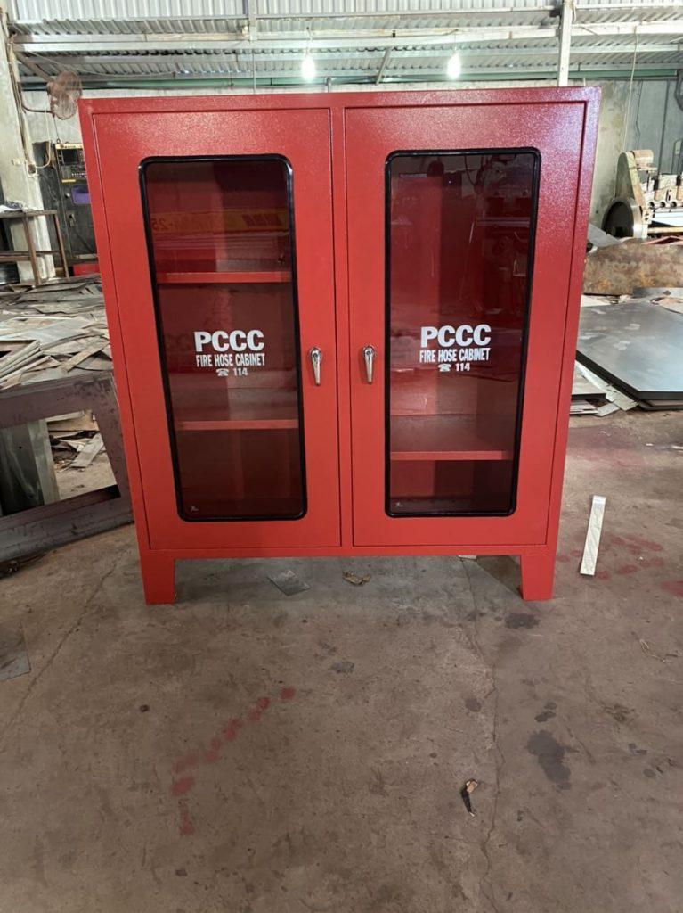Tủ đựng vòi chữa cháy 4 ngăn 900-x-750-x-250mm