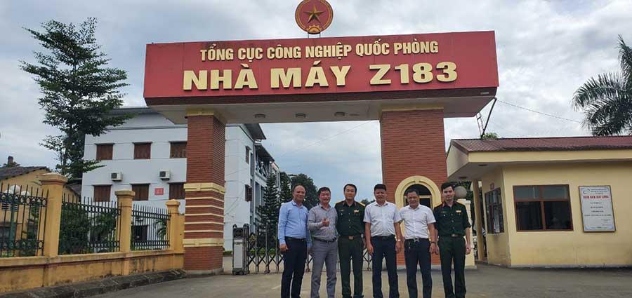 https://thietbicuuhoa.vn/images/2021/06/ban-giam-doc-cong-ty-hth-tai-nha-may-z183-bo-quoc-phong.jpg
